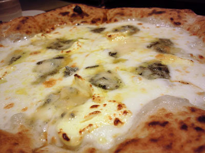 姫路 Osteria Pizzeria ALBERO 4種のcheesePizza