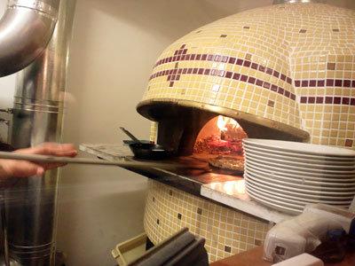 姫路 Osteria Pizzeria ALBERO 窯焼きPizza
