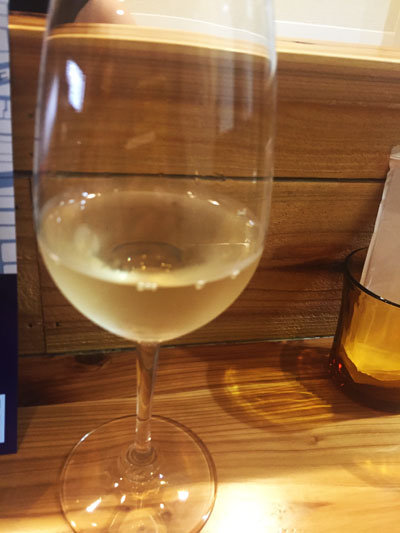 神戸 西元町 マメナカネ惣菜店 白ワイン