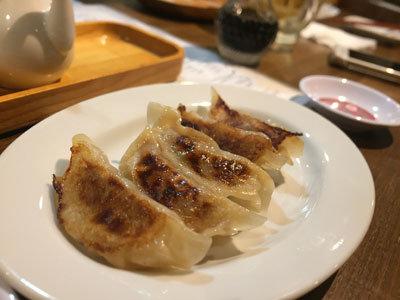 姫路 立ち飲み肉バル TSUMUGIYA 餃子