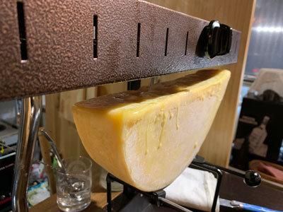 姫路 肉バル TSUMUGIYA ラクレットチーズ