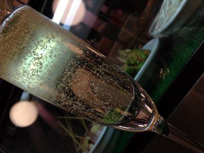 大阪 東梅田 立飲みバル ポポンペット シャンパン