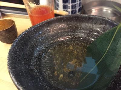 姫路 山陽電車高架下 立ち飲み 魚屋 亀の手 茹で汁