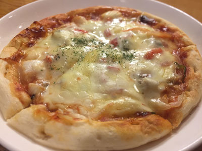 大阪 居酒屋 八八八 海鮮ピザ