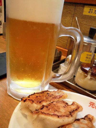 元町 中華街 餃子 生ビール