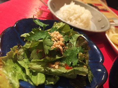 姫路 のれん街 タイ屋台 玲 グリーンカレー サラダ