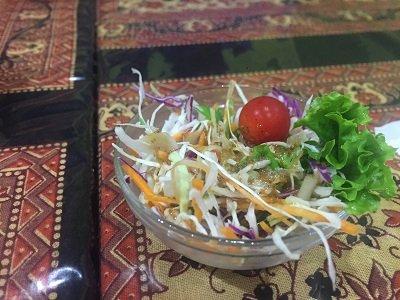大阪 セイロンカリー サラダ