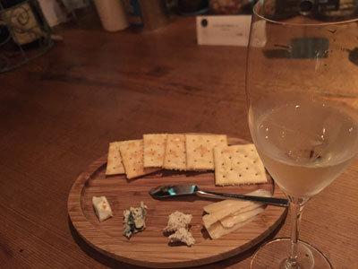姫路 ワイン bar eka チーズ盛合せ