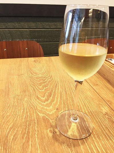 明石 ステーキ酒場 MORISHIN 白ワイン
