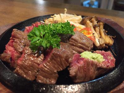 姫路 肉 チーズバル TSUMUGIYA ステーキ