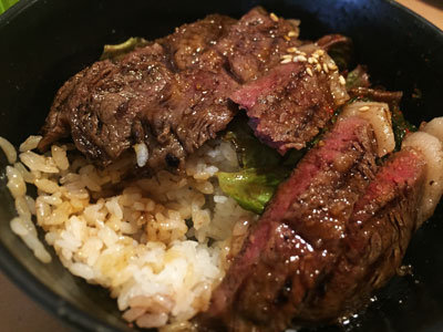 神戸 西元町 えびすや A5 牛肉丼