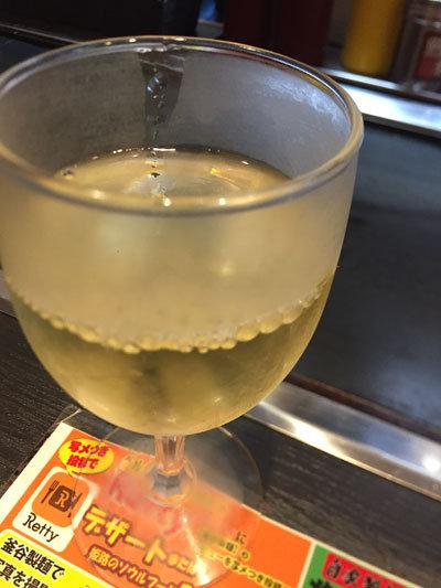 姫路 おみぞ筋 釜谷製麺 グラスワイン白 イタリア
