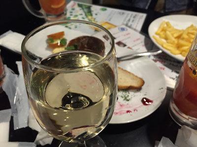 神戸 三ノ宮 立呑み スタンド Gonta2 白ワイン