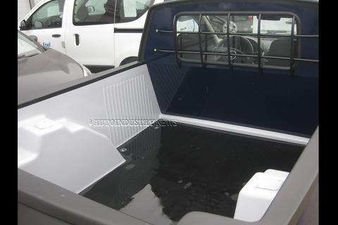 Dacia-Duster-Pickup-prototype-3[3]
