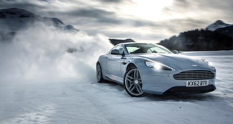 aston-martin-on-ice-2014-snow-drifting-in-switzerland-video_4