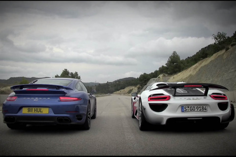 Porsche-911-Turbo-vs-918-Spyder
