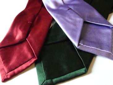 ネクタイの色合わせ方とは?