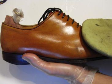 靴磨き方法