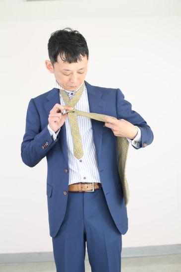 ネクタイの結び方 ダブルノット005