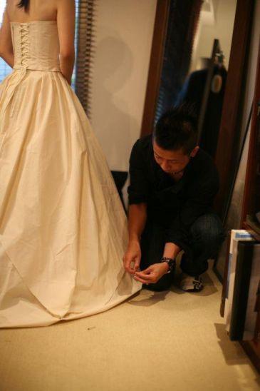 ドレス仮縫い