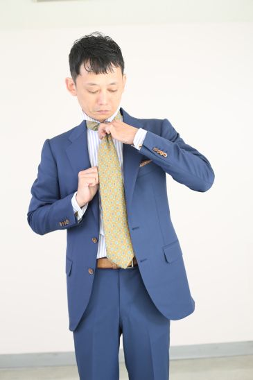 ネクタイの結び方 ダブルノット015