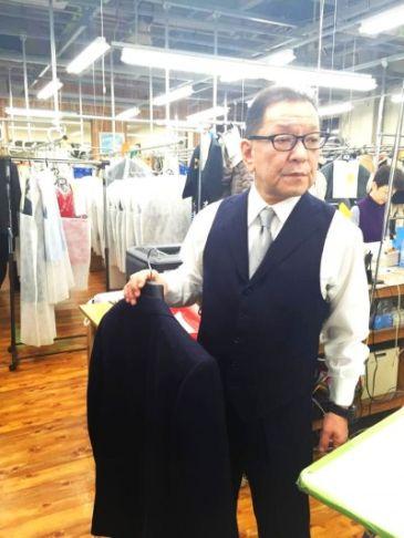 スーツの仮縫い