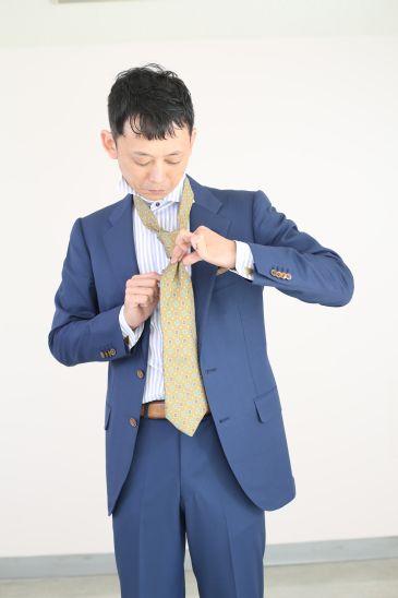 ネクタイの結び方 ダブルノット012