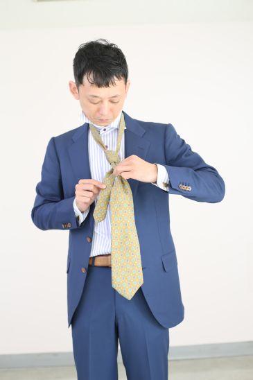ネクタイの結び方 ダブルノット013