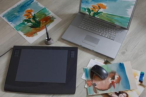 graphics-tablet-3256600_640-compressor