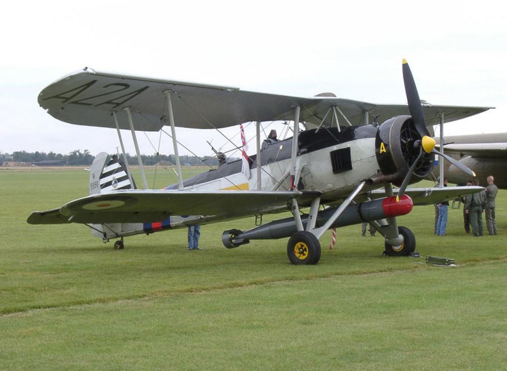 Fairey_Swordfish_on_Airfield