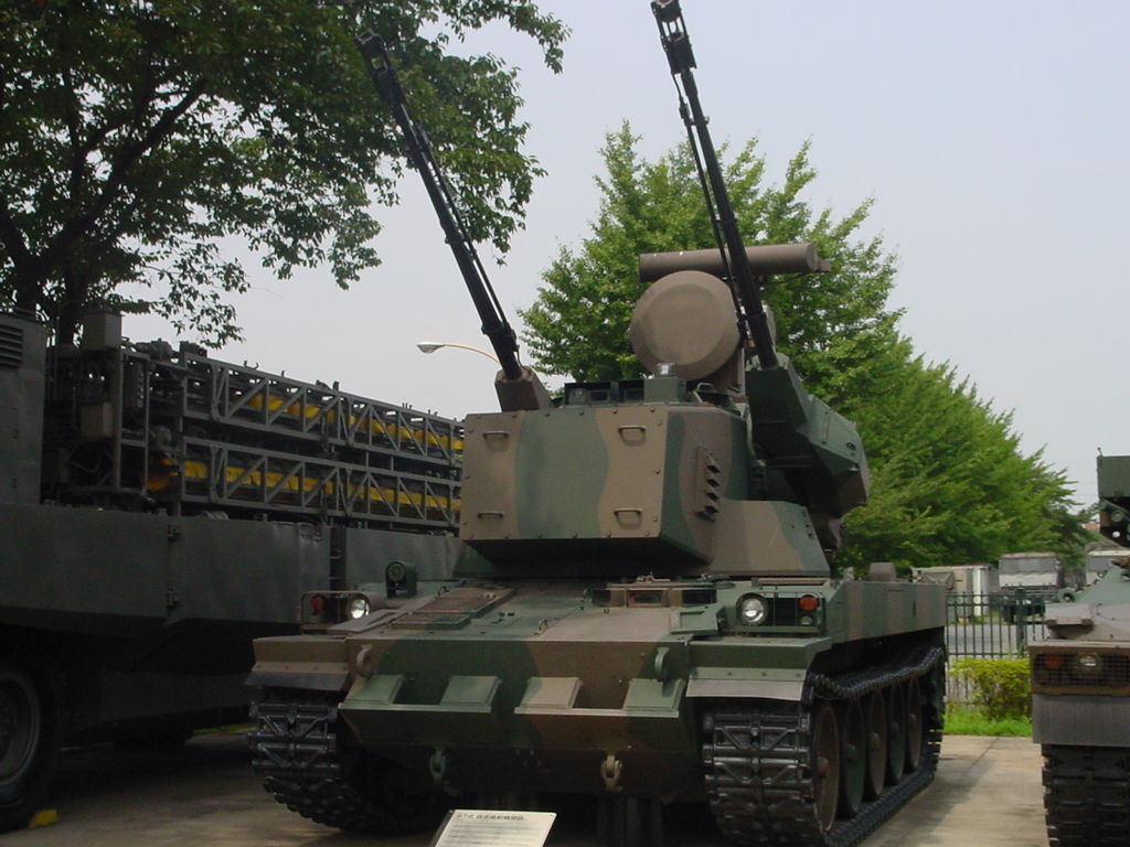 1/35 陸上自衛隊 87式自走高射機関砲 高射教導隊