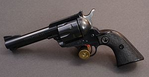300px-Ruger_Black_Hawk_flickr_szuppo