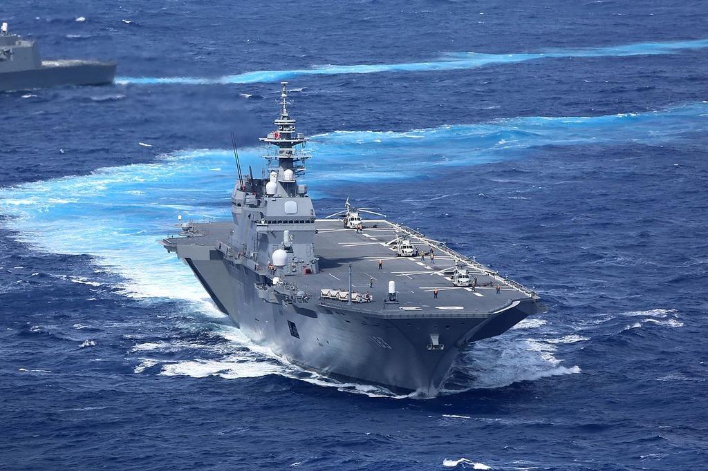 海自護衛艦「いずも」「さざなみ」が米空母「R・レーガン」と共同訓練 中国を牽制