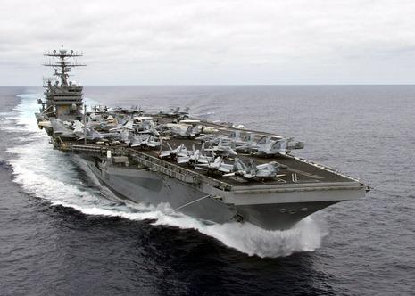【軍事ニュース 2017.1.4】 米空母カール・ビンソン、南シナ海で演習か 中国「遼寧」を牽制