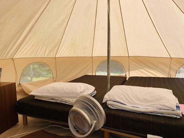 テントの中ベッド