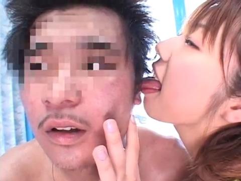菅原ちえ監督と田村麻衣の逆ナンパ手コキッス 073