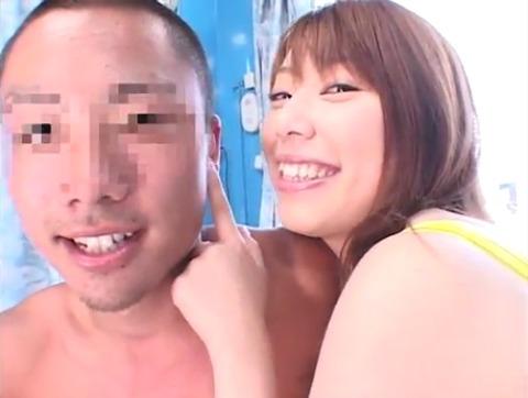 菅原ちえ監督と田村麻衣の逆ナンパ手コキッス 043