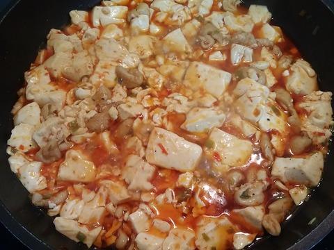 麻婆豆腐作り中