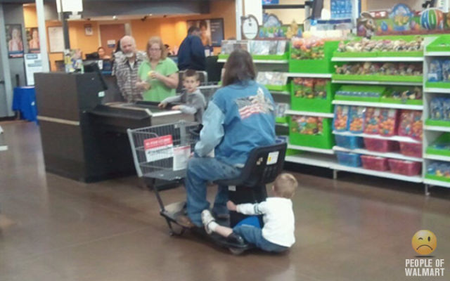what_you_can_see_in_walmart_part_16_640_01