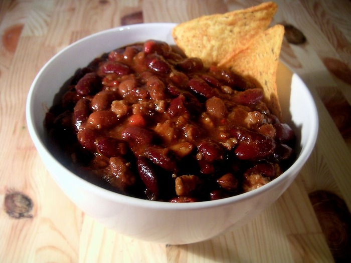 1200px-Bowl_of_chili