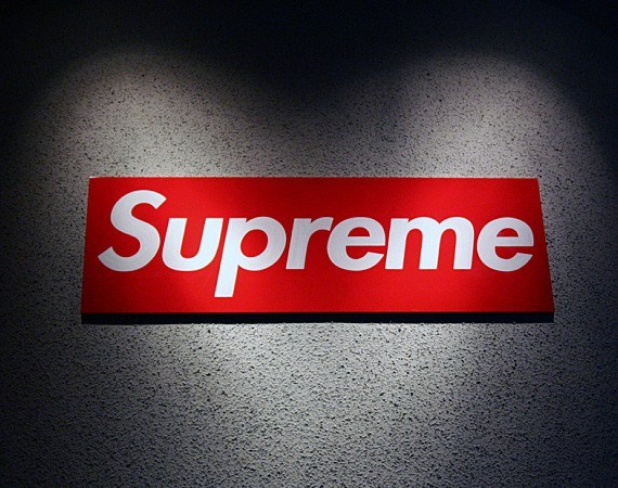 Supreme-apparel