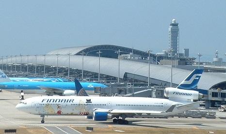 Finnair_MD-11