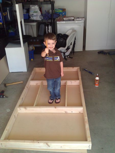 parents_build_atat_bed_for_their_little_son_640_11