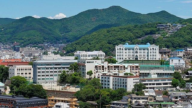 640px-Nagasaki_Kaisei_Gakuen