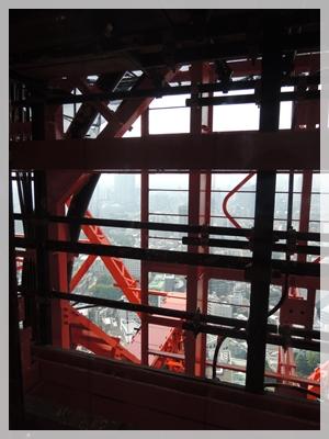 東京タワーのエレベーターから