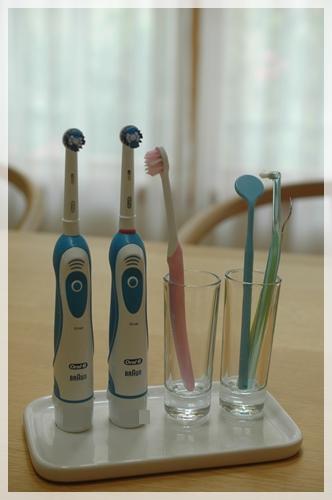 新しい歯ブラシ立て