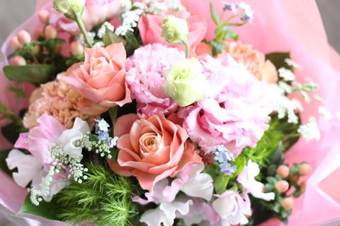 春分の日 春色ピンクの花束♪