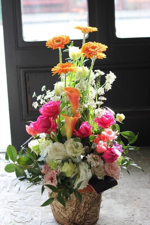 * スタートの日にお花を添えて *