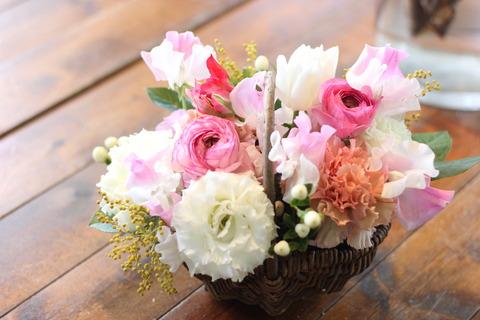 * 春を感じるピンクのアレンジメント *