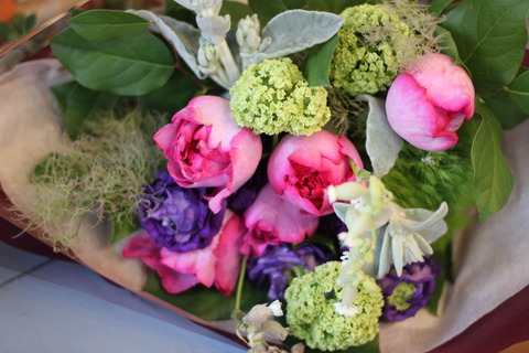 *香りの豊かな花束*